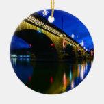 Puente de Londres en la oscuridad Ornamento Para Reyes Magos