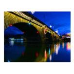 Puente de Londres en la oscuridad Postales