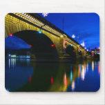 Puente de Londres en la oscuridad Alfombrilla De Raton