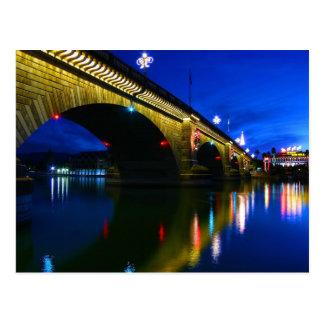 Puente de Londres en la oscuridad Tarjeta Postal