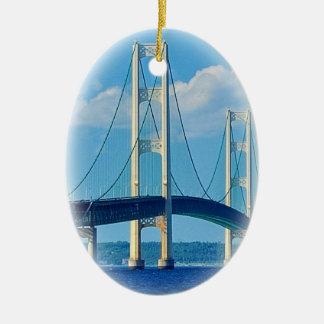 Puente de Mackinac del ornamento del navidad Adorno Navideño Ovalado De Cerámica