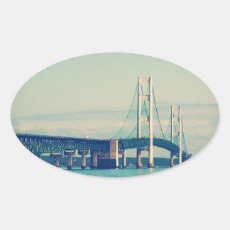 Puente de Mackinac Pegatina Ovalada