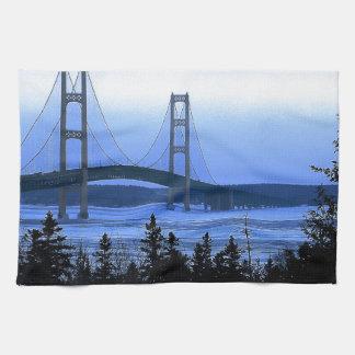 Puente de Mackinac Toalla De Cocina