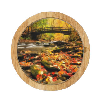 Puente de madera y cala en caída