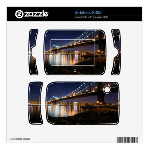 Puente de Manhattan en la noche Calcomanías Para Sidekick 2008