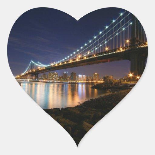 Puente de Manhattan en la noche Pegatina En Forma De Corazón