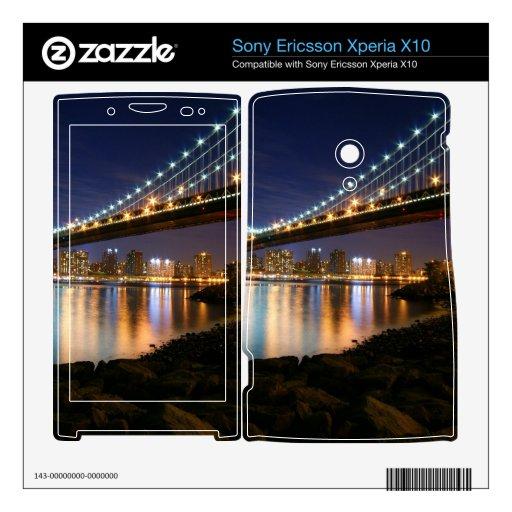 Puente de Manhattan en la noche Xperia X10 Mini Pro Skin