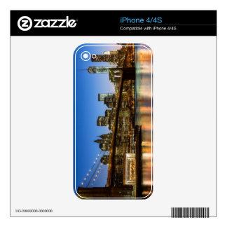Puente de Manhattan y de Brooklyn en la oscuridad Calcomanías Para iPhone 4S