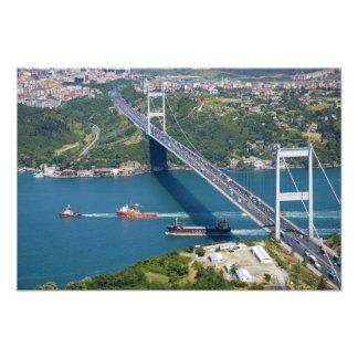 Puente de Mehmet del sultán de Fatih sobre el Bosp Impresión Fotográfica