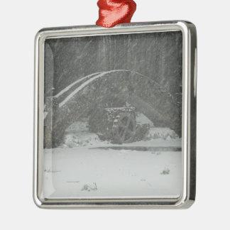 Puente de Nueva Inglaterra Nevado Adorno Navideño Cuadrado De Metal