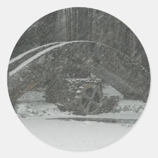 Puente de Nueva Inglaterra Nevado Pegatina Redonda