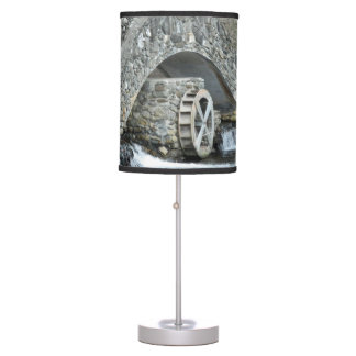 Puente de piedra de Nueva Inglaterra Lámpara De Mesa