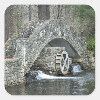 Puente de piedra de Nueva Inglaterra Pegatina Cuadrada