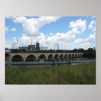 Puente de piedra del arco impresiones