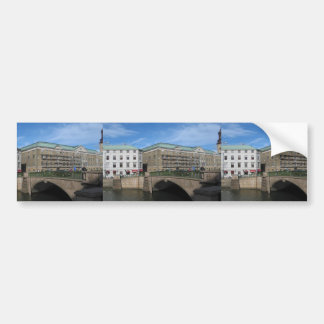 Puente de piedra en Goteberg Sweeden Etiqueta De Parachoque
