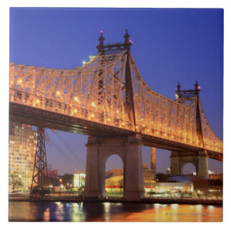 Puente de Queensboro y el East River Azulejo Cuadrado Grande