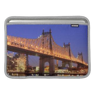 Puente de Queensboro y el East River Funda Para Macbook Air