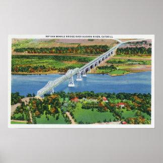 Puente de Rip van Winkle sobre el río Hudson Poster