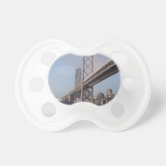 Puente de San Francisco Bay en una mañana soleada Chupete De Bebe