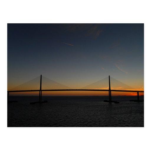 Puente de Skyway de la sol Postal