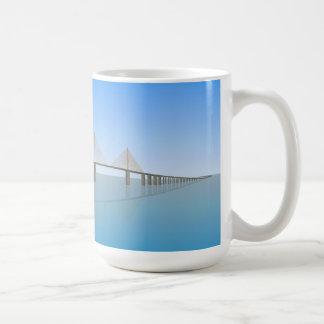 Puente de Skyway de la sol: Tampa Bay: Tazas De Café