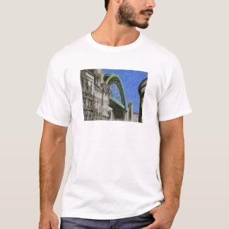 Puente de Tyne, camiseta del adulto de Inglaterra