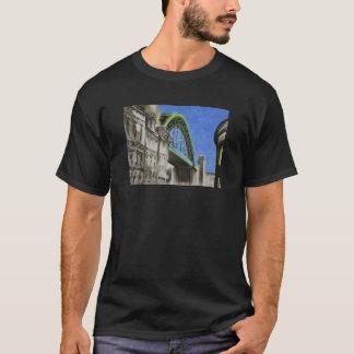 Puente de Tyne, negro adulto de la camiseta de