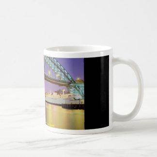 Puente de Tyne, Newcastle-upon-Tyne, Inglaterra Tazas De Café