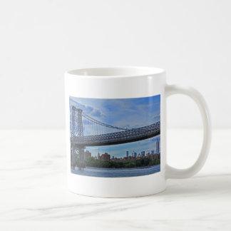 Puente de Williamsburg, Empire State Building #1 Taza Básica Blanca