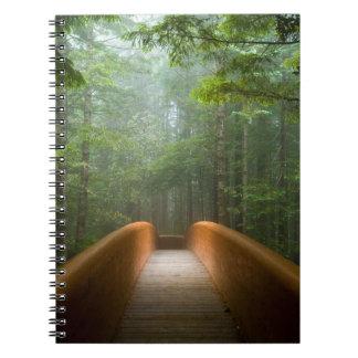 Puente del bosque de la secoya note book