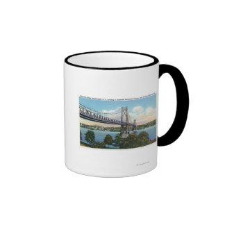 Puente del Mediados de-Hudson a histórico nacional Taza A Dos Colores
