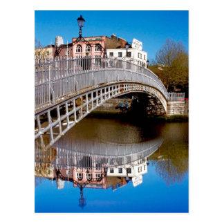 Puente del medio penique de Dublín Postales