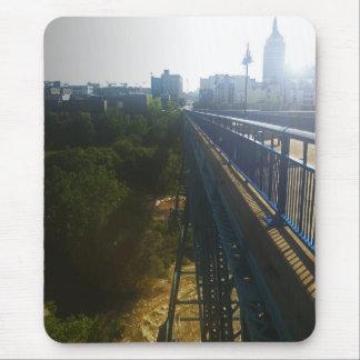 Puente del río de Genesee Alfombrillas De Ratón