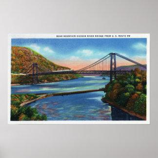 Puente del río Hudson de la montaña del oso Posters