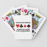 Puente duplicado donde está un logro el juego del  baraja cartas de poker