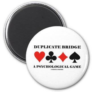 Puente duplicado un juego psicológico imán redondo 5 cm