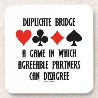 Puente duplicado un juego que socios conformes posavasos
