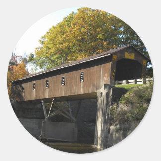 Puente el condado de Ashtabula Ohio del Rd de la c Pegatinas Redondas