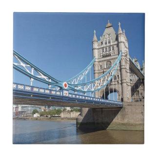 Puente el río Támesis Londres de la torre Azulejo Cuadrado Pequeño