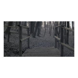 Puente en bosque/la fotografía infrarroja tarjetas fotograficas