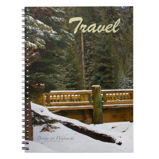 Puente en el cuaderno del viaje de la casa de