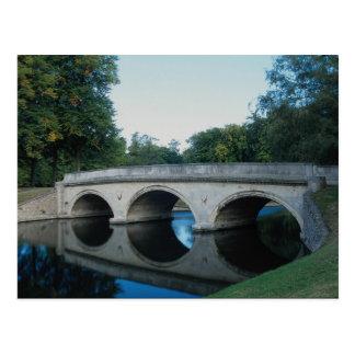 Puente en la leva del río, universidad de la trini postales