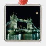 Puente en la noche, Londres, Inglaterra de la torr Adorno