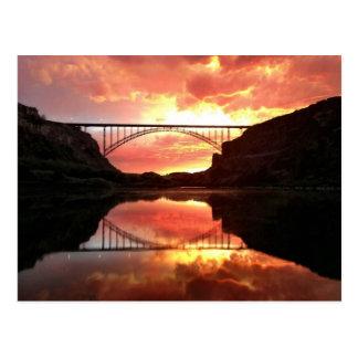 Puente en la puesta del sol - Idaho de Perrine Postales