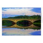Puente fuera de la ciudad tarjetas