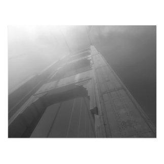 Puente Golden Gate brumoso IV Tarjetas Postales