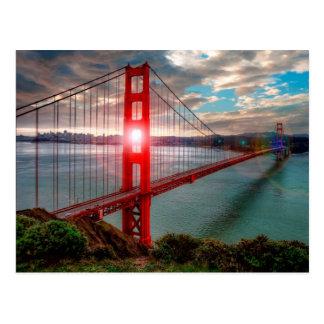 Puente Golden Gate con Sun que brilla a través Tarjetas Postales