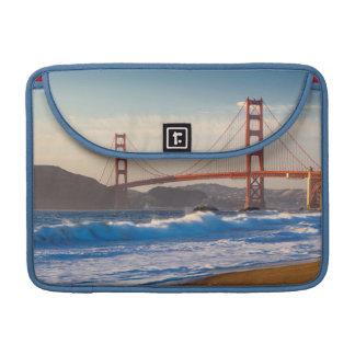 Puente Golden Gate de la playa del panadero Fundas Para Macbooks