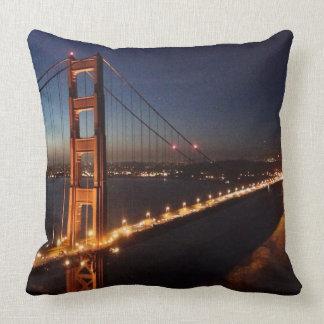 Puente Golden Gate de los promontorios de Marin Cojin
