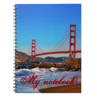 Puente Golden Gate en el cuaderno de la puesta del